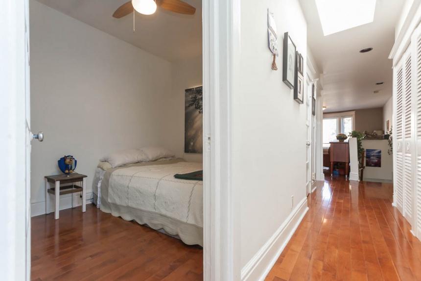25 bedroom