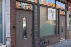 03 entrance doors
