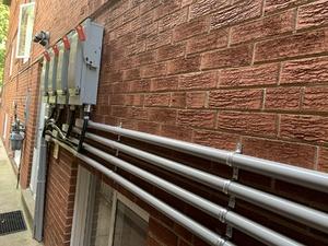 283 evelyn outside hydro breakers