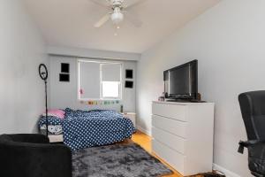 283 evelyn_suitebedroom