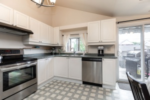 29 corbett avenue kitchen 02