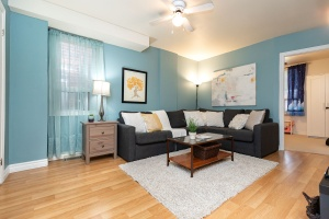 29 corbett avenue living room 02