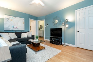 29 corbett avenue living room 03