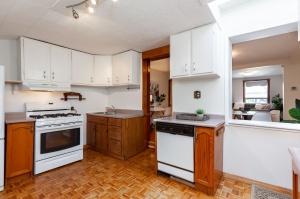 297 st helens avenue  kitchen 3