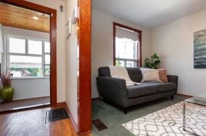 297 st helens avenue living room entrance