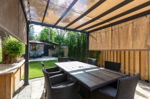 301 evelyn avenue patio with sunshade
