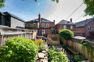 32 runnymede road backyard 04