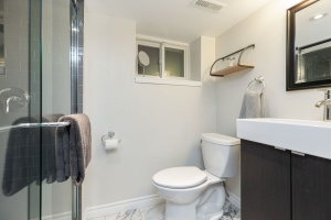 32 runnymede road bathroom 02