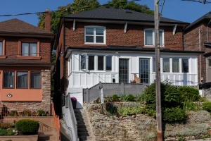 32 Runnymede Road - West Toronto - Swansea