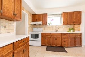 4_goldwin_avenue_12_kitchen