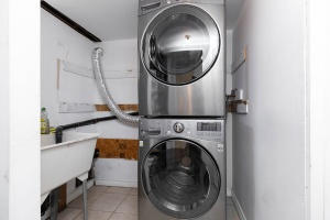 4_goldwin_avenue_29_laundry
