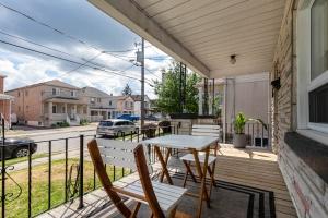4_goldwin_avenue_3_front_porch
