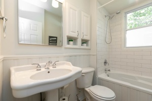 4 webb avenue bathroom