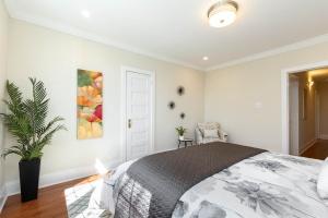 4 webb avenue master bedroom 03