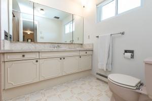 40 groomsport crescent bathroom 02