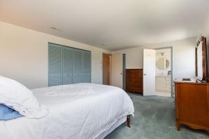 40 groomsport crescent master bedroom 03