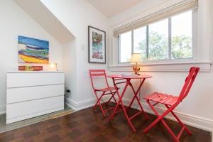 421 glenlake avenue bedroom 04
