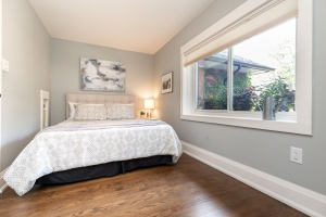 421 glenlake avenue master bedroom 03