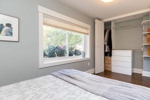 421 glenlake avenue master bedroom 04