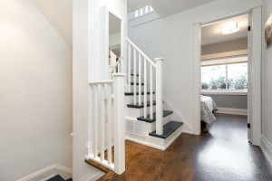 421 glenlake avenue stairs 02