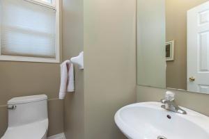 52 moorefield dr bathroom