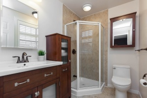52 moorefield dr master bathroom