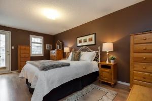 52 moorefield dr master bedroom 2