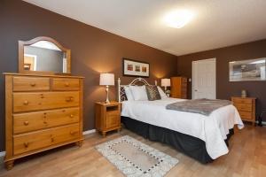 52 moorefield dr master bedroom 4