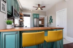 560_indian_grove_16_kitchen