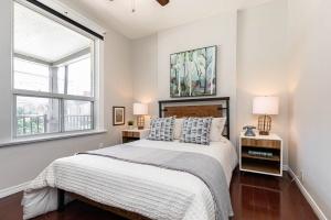 560_indian_grove_20_bedroom