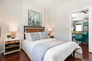560_indian_grove_21_bedroom
