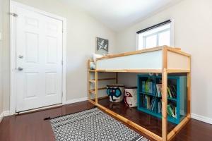 560_indian_grove_24_bedroom_2