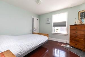 560_indian_grove_40_bedroom
