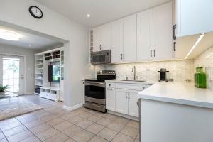 669_beresford_avenue_13_kitchen