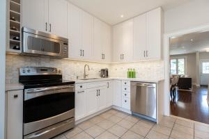 669_beresford_avenue_14_kitchen