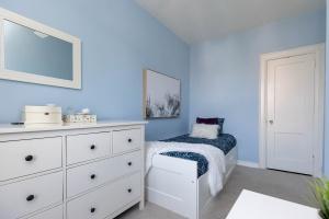 669_beresford_avenue_30_bedroom