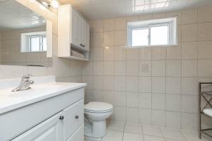 83 coney road bathroom 01