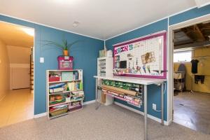 83 coney road craft room 02