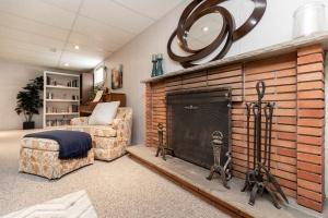 83 coney road recreation room 03