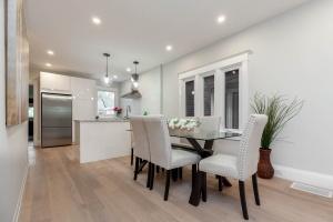 98 linnsmore cres dining room