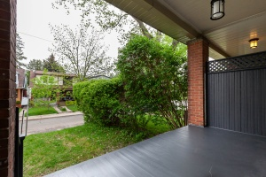98 linnsmore cres entry patio