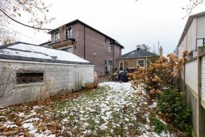98 saint hubert avenue backyard