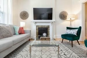 987_st_clarens_livingroom (4)